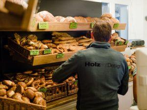 """Täglich frische Backwaren von:<h4> <h4>Der Bäckerei Bader aus Dietenheim.  <h4> Und der <a href=""""http://www.baeckerei-grieser.de/"""">Bäckerei Grieser</a> aus Ochsenhausen<h4>"""